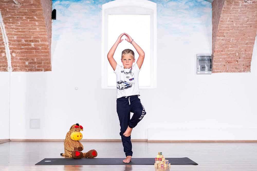 joga za djecu - drvo