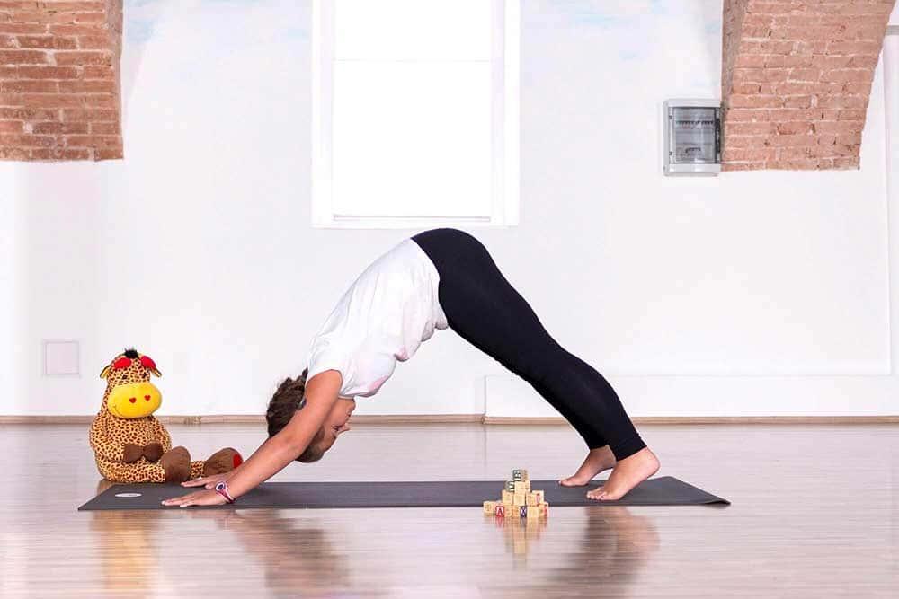 joga za djecu - pas okrenut prema dolje